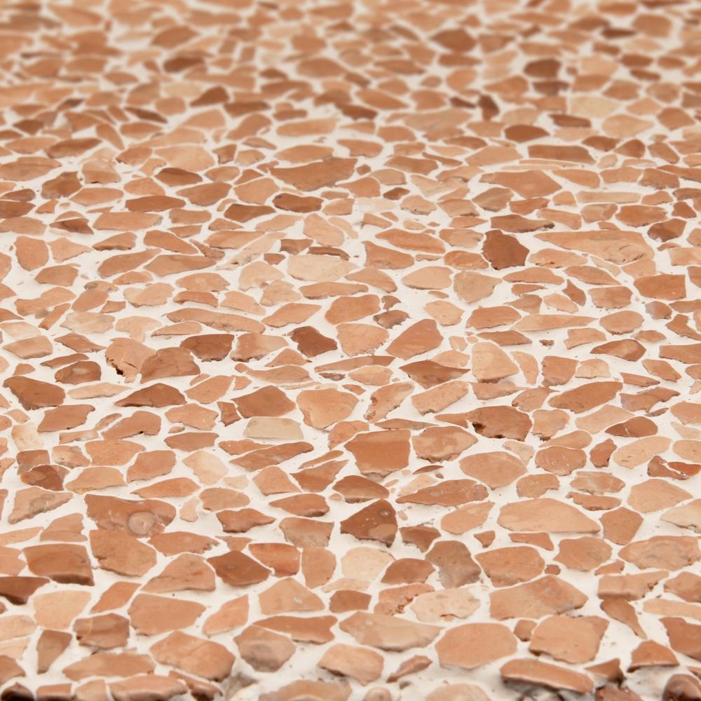 Finitura spazzolata pannelli verticali, graniglia rosso Verona, fondo bianco