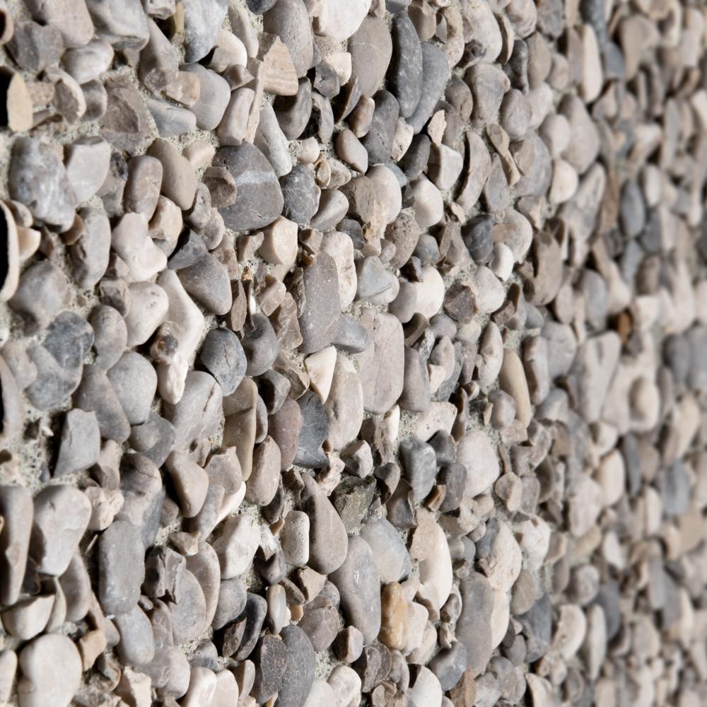 Finitura lavata pannelli verticali, graniglia sasso Aviano, fondo grigio